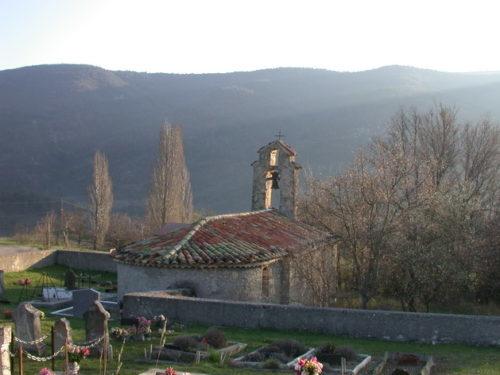 Chapelle et cimetière à Arnayon