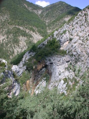 La cascade de tuf de la grotte du Pas des Ondes