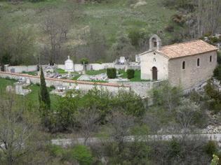 La chapelle et le cimetière